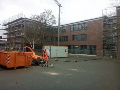 Foto zur Meldung: Die Umgestaltung des Schulhofes beginnt!