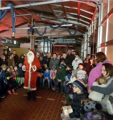 Foto zur Meldung: Nikolausfeier im Feuerwehrhaus