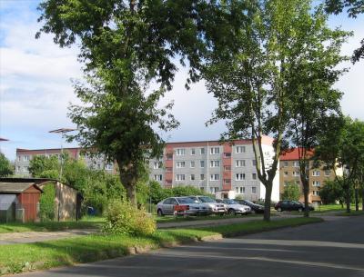 """Vorschaubild zur Meldung: Wanderausstellung """"Kyritz-West 1950 bis heute"""" bei der Kyritzer Wohnungsbaugesellschaft zu Gast"""