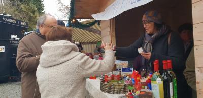 Foto zur Meldung: 30 Jahre EineWelt an der Röslauer Dorfweihnacht
