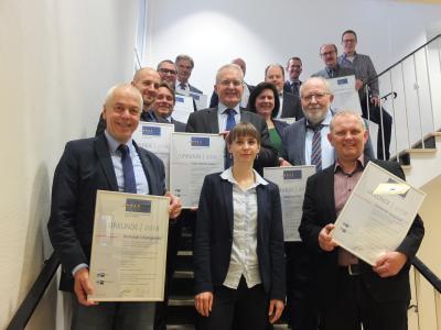 Andreas Weiher zusammen mit den übrigen Bürgermeister der ausgezeichneten Wohnorte