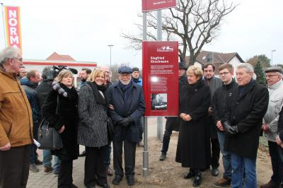 Vorschaubild zur Meldung: Mit roter Tafel und Veranstaltung ehrt Fürstenwalde den großen Industriepionier Siegfried Hirschmann