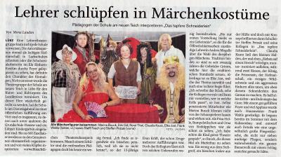 Foto zur Meldung: Lehrer schlüpfen in Märchenkostüme