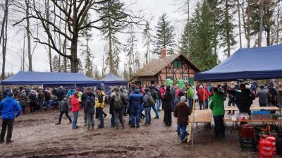 Vorschaubild zur Meldung: Winter-Wanderung 2018: Über 700 Wanderer kamen zum Jagdhaus