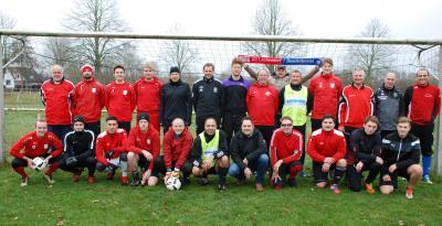 Silvesterkick mit 25 Fußballern