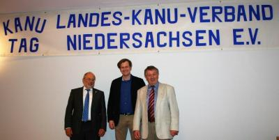 LKV-Präsident Dr. Albert Emmerich (links) und Vizepräsident Hans-Ulrich Sonntag (rechts) stehen zur Wiederwahl an. In der Mitte Schatzmeister Mathias Winkler