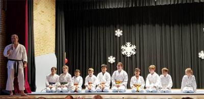 Gelungene Karate-Demonstration auf der Weihnachtsfeier!