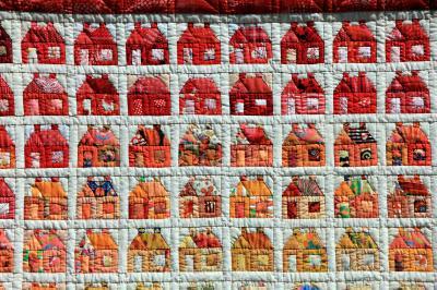 https://pixabay.com/de/handarbeit-n%C3%A4hen-patchwork-haus-188742/