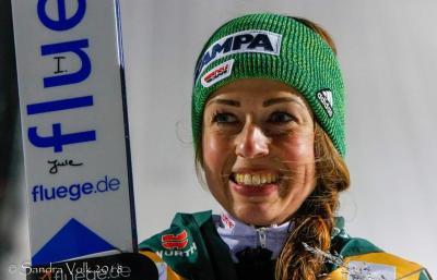 Foto zur Meldung: Juliane springt in Sapporo auf Platz 2 und 3