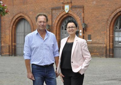 Florian Ellmenreich | Frank Döring, Vorsitzender der Stadtverordnetenversammlung und Bürgermeisterin Annett Jura