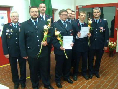 Die zur Beförderung und Auszeichnung anwesenden Kameraden