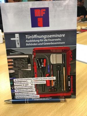 Vorschaubild zur Meldung: Türöffnungsseminar des Kreis Feuerwehrverbandes in Flonheim