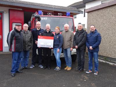 Foto zur Meldung: Unterstützung für Feuerwehr