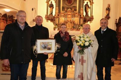 Foto zur Meldung: Pfarrer Augustin Sperl 35 Jahre in unserer Pfarrgemeinde