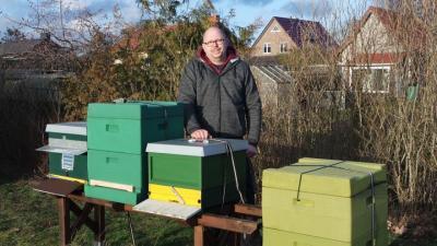 Vorschaubild zur Meldung: Bienenvolk wartet auf Frühling