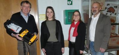 Vorschaubild zur Meldung: Defibrillator gespendet