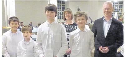 Vorschaubild zur Meldung: Musikschüler für ihre Leistungen geehrt