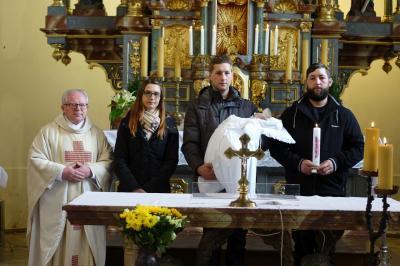 Foto zur Meldung: Taufe ist Aufnahme in die kirchliche Gemeinschaft
