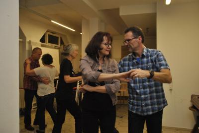 Foto zur Meldung: Discofoxkurs im Generationentreff - Tanzen ist für alle Altersgruppen geeignet