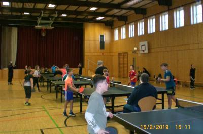 Foto zur Meldung: Tischtennis-Nachwuchs spielte zum 27. Mal seine Meister aus