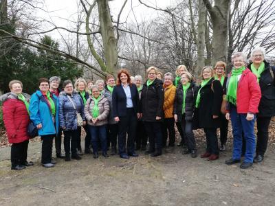 Foto zur Meldung: LandFrauen zu Besuch bei MdB Sandra Weeser