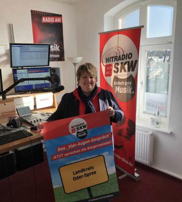 """Cornelia Schulze-Ludwig beim Radiosender """"Hitradio SKW"""""""