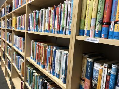 Foto zur Meldung: Eine Bücherei mitten in Schafflund