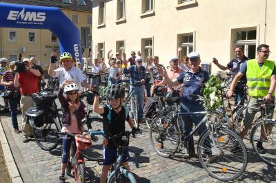 Zum Salzlandradeltag 2018 trafen über 300 begeisterte Radler aus dem gesamten Kreisgebiet auf dem Nienburger Marktplatz ein