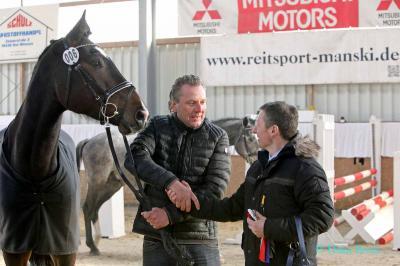 Frank Gerber (links) mit seinem Wallach von Carleyle x Carolus