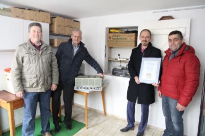 Heinz Kehm, Bürgermeister Andreas Weiher, GNZ-Geschäftsführer Oliver Naumann, Ortsvorsteher Thomas Lindt