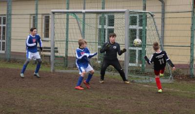 Foto zur Meldung: D-Jugend startet mit Sieg