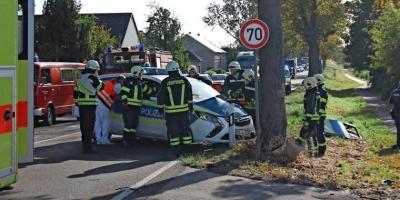 Foto zur Meldung: Schwerer Unfall mit Polizeiauto