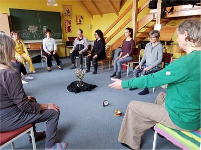 Foto zur Meldung: Gesundheitsfürsorge an der Musikschule - Yoga für Musiker