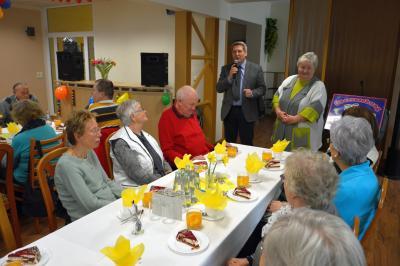 Bürgermeister Dr. Oliver Hermann und Resi Kämling, Vorsitzende des Seniorenbeirats der Stadt Wittenberge begrüßten die Gäste in der AWO Begegnungsstätte I Foto: Martin Ferch