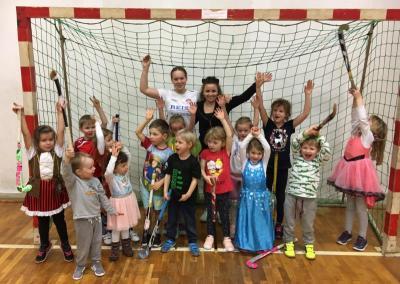 Foto zur Meldung: Bambini Hockey Helau und Alaaf