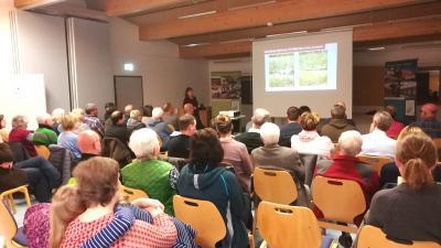 Mit großem Interesse verfolgten die Besucher den Vortrag von Kornelia Marzini im Haus der Schwarzen Berge in Oberbach.