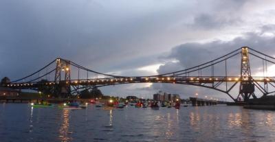 Foto zur Meldung: Paddler gratulieren Wilhelmshaven mit Sternfahrt zum 150. Stadtgeburtstag