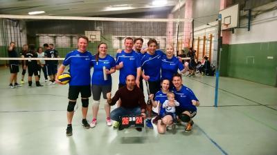 Vorschaubild zur Meldung: Volleyball-Hobbymixliga weiterhin auf Gewinnerkurs!