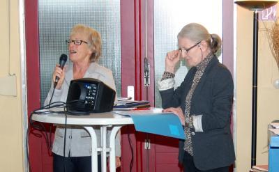 Wer möchte den Kulturtreff für Seniorinnen und Senioren mitorganisieren? Gesucht werden Nachfolgerinnen und Nachfolger für die bisherigen Organisatorinnen Ilse Schulz (links) und Steffi Reuter (rechts).