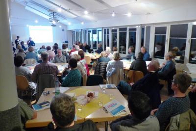 """Die letzte Veranstaltung """"Perspektive: Ruhestand"""" war sehr gut besucht (das Foto zeigt die Teilnehmenden). Am 9. April wird das Format wiederholt"""