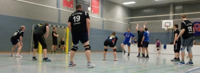 Foto zur Meldung: Volleyball-Stadtliga: Mixedmannschaft verliert das Zwischenrundenspiel gegen Schwaan