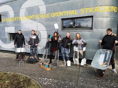 Foto zur Meldung: Neue Gartengeräte für die Klimadetektive