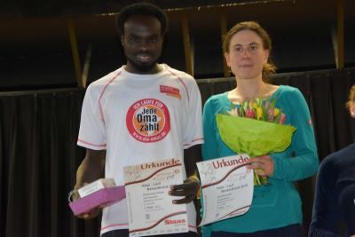 Foto zur Meldung: Abdelmajeed Abdalla und Jana Palmowski gewinnen Bersenbrücker Stadtlauf