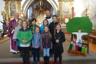 Foto zur Meldung: 8 junge Christen treten Ende Mai an den Tisch des Herrn in unserer Kirche