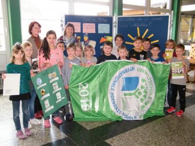 Foto zur Meldung: Wieder 3 Sterne für die Umweltprojekte der Kreaktiven Grundschule Röslau!