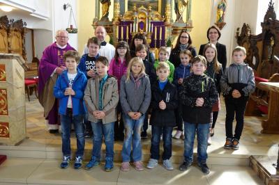 Foto zur Meldung: Kommunionkinder stellen sich unserer Pfarrgemeinde vor