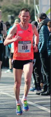Foto zur Meldung: Krechel glänzt als Marathon-Fünfter in Freiburg