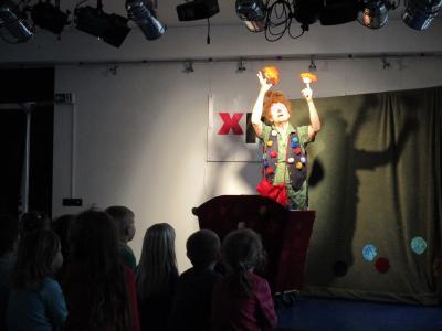 Foto zur Meldung: Das Frankfurter Figurentheater zeigte viel Handgeschick im X-Presso – Nächste Kinderkulturveranstaltung am 07.05.2019