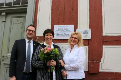 Von links: Bürgermeister Thomas Eckhardt, Diplom-Med. Gabriele Ritzau und Dr. Benita Heller
