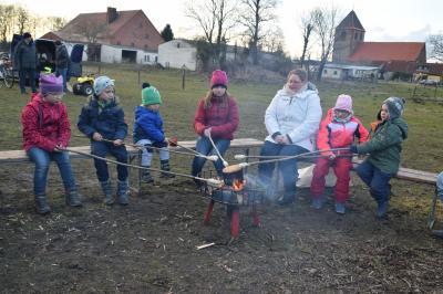 Vorschaubild zur Meldung: Osterfeuer in Quitzow